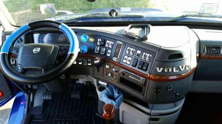 Volvo 670 (2009) : Sleeper Semi Trucks