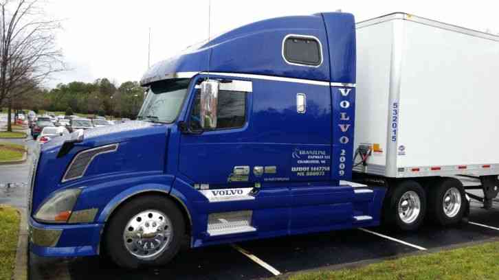 Volvo 670 2009 Sleeper Semi Trucks