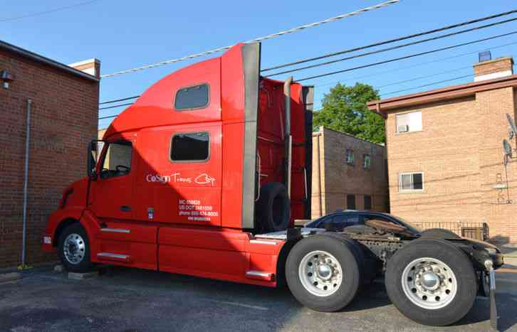 Volvo VNL780 (2009) : Sleeper Semi Trucks