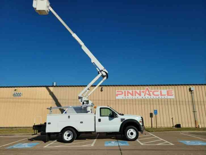 Ford F-550 ALTEC AT37G BUCKET TRUCK (2009)