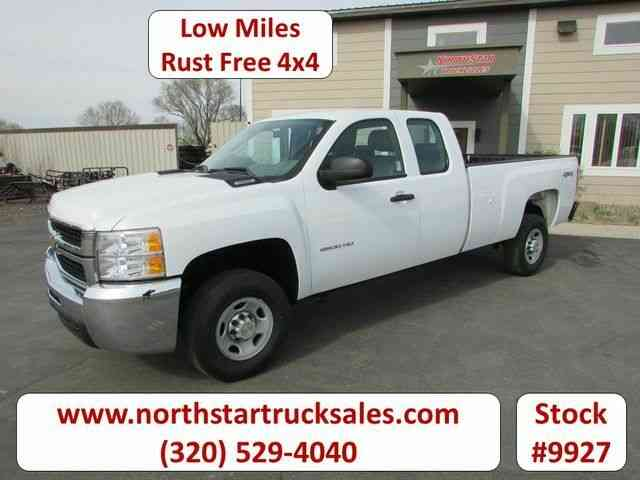 Chevrolet 2500HD 4x4 Ex-Cab Pickup -- (2010)