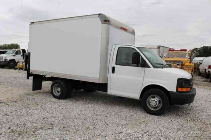 Chevrolet 3500 Box Truck 2010 Van Box Trucks
