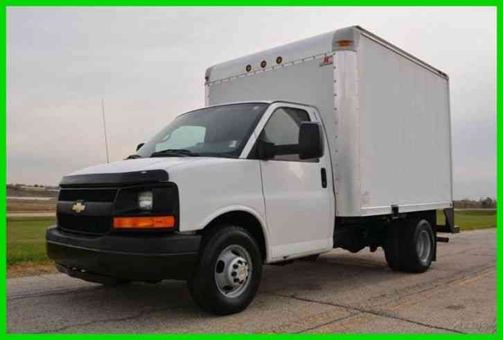 Chevrolet Express Cutaway 2010 Van Box Trucks