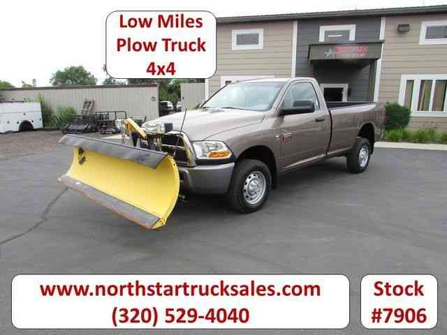Dodge 2500 4x4 Plow Pickup Truck -- (2010)