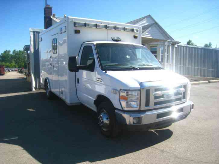 Ford E450 Ambulance Pkg  2010    Emergency  U0026 Fire Trucks