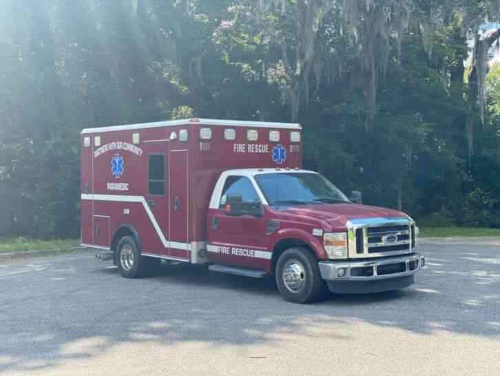 Ford F350 Super Duty Ambulance (2010)