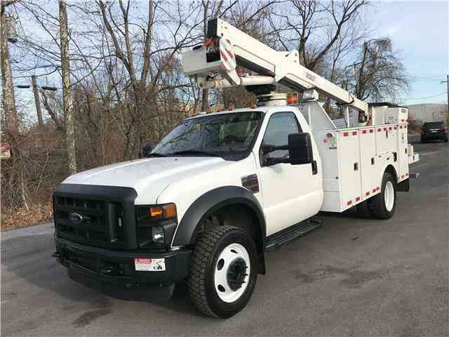 Ford F-550 DRW BUCKET TRUCK XL 4X4 42ft Versalift Diesel (2010)