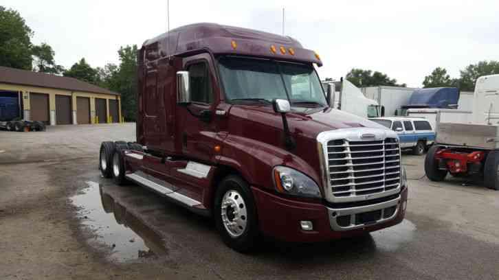 Freightliner Cascadia (2010) : Sleeper Semi Trucks