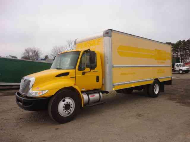 International 4300 2010 Medium Trucks