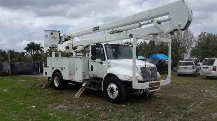International 4300 BUCKET TRUCK (2010)
