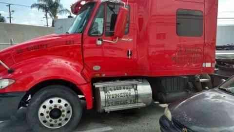 International Prostar 2010 Sleeper Semi Trucks