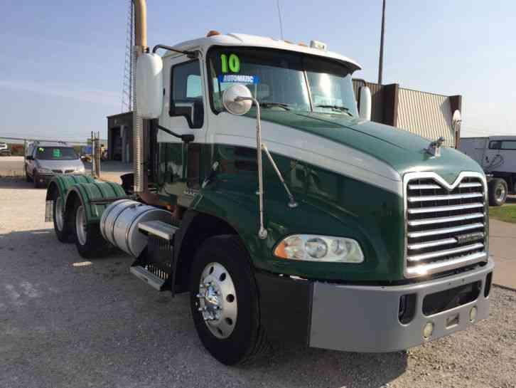 Mack Trucks Automatic : Mack cxu daycab semi trucks