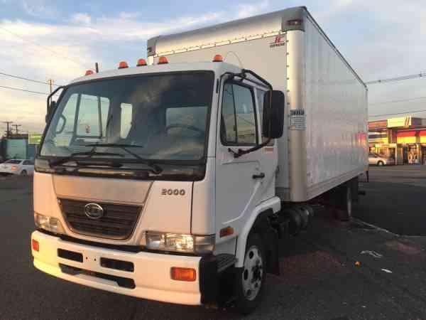 Nissan Ud 2000 2010 Van Box Trucks