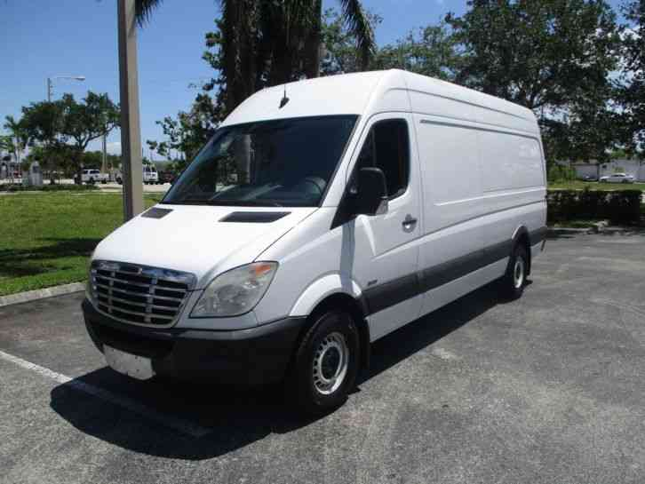 Freightliner SPRINTER (2010) : Van / Box Trucks