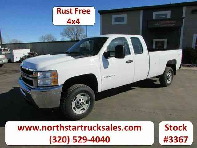 Chevrolet 2500HD 4x4 Ex-Cab Pickup -- (2011)