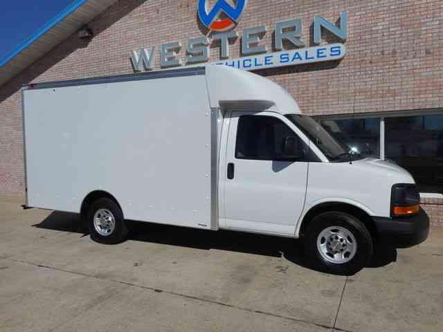Chevrolet Box Van 2011 Van Box Trucks
