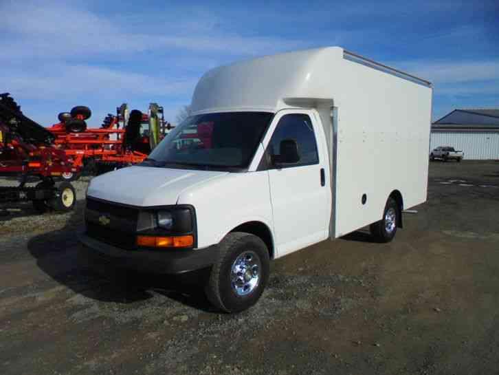 Chevrolet 2011 Van Box Trucks