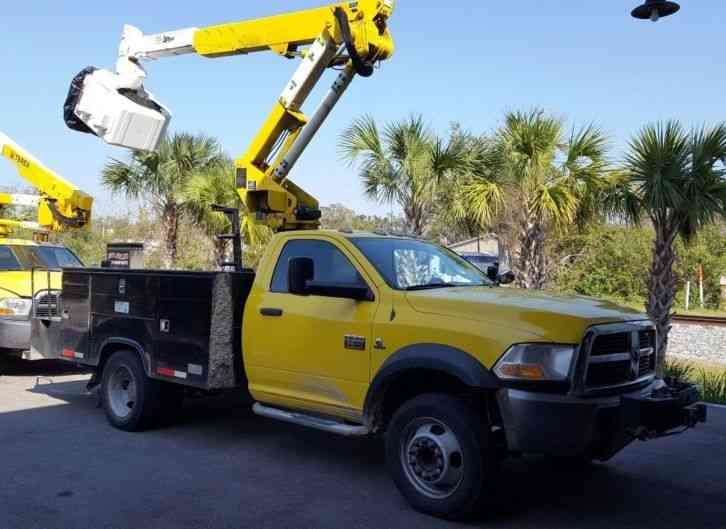 Dodge RAM 5500 4X4 BUCKET TRUCK ALTEC 35 FT BOOM (2011)