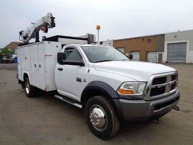 2011 Dodge Ram 5500 3050 on semi truck cranes