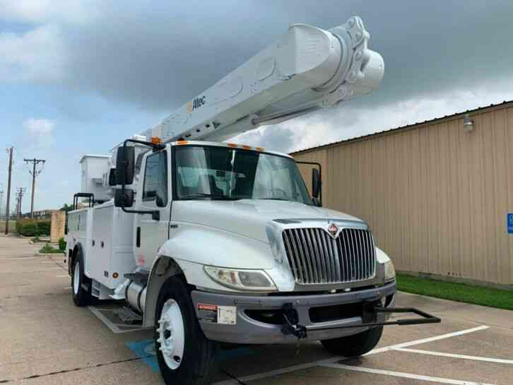 International 4300 SBA ALTEC BUCKET TRUCK (2011)