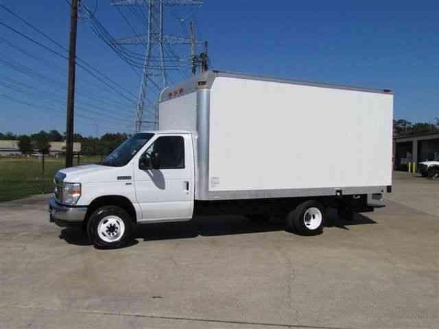 Ford E350 Box Truck (2011) : Van / Box Trucks