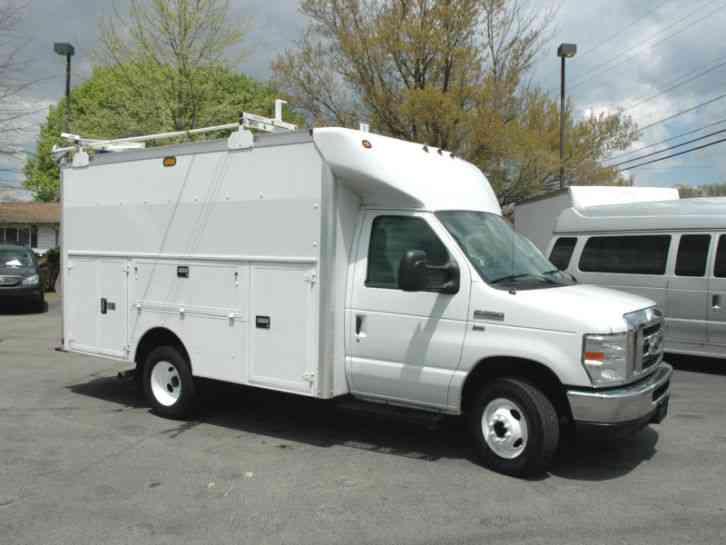 ford e350 enclosed utility van  2011    utility    service trucks