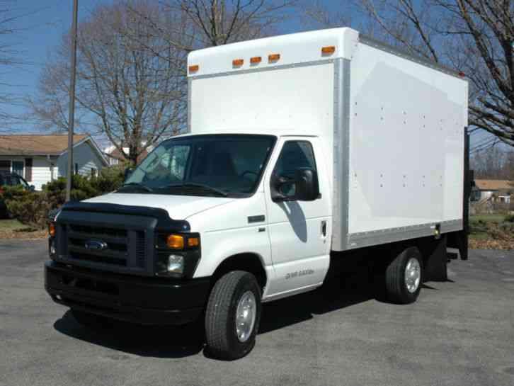 Ford E350 12 5 Ft Lift Gate 2011 Van Box Trucks