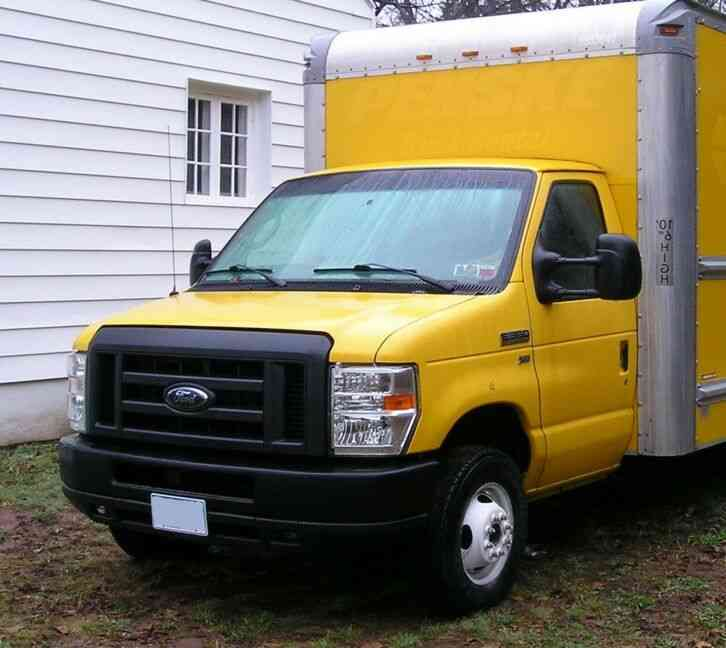 Ford E350 Super Duty (2011)