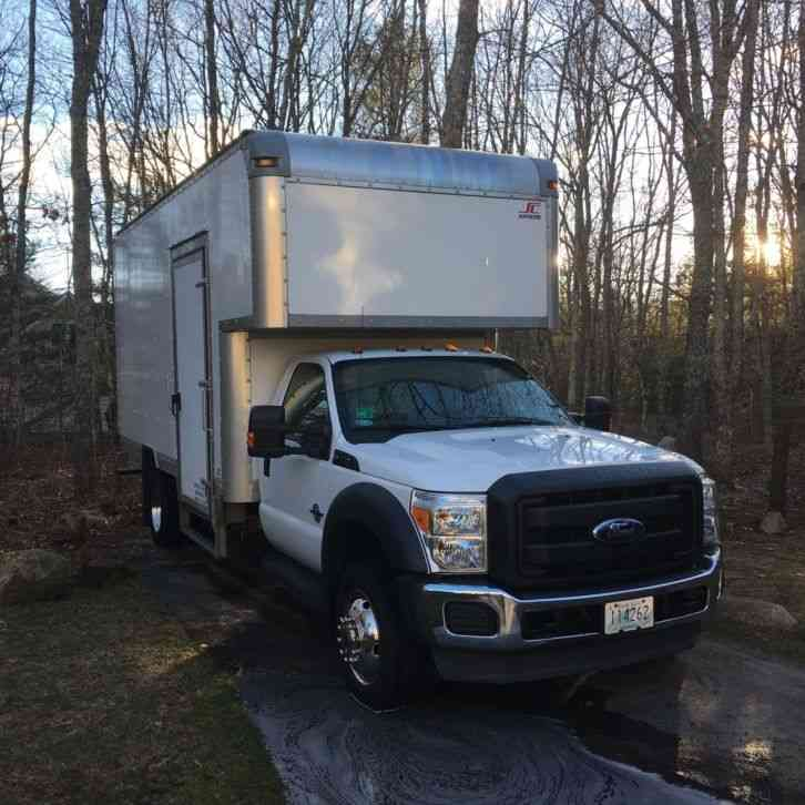 Ford F 550 2011 Van Box Trucks