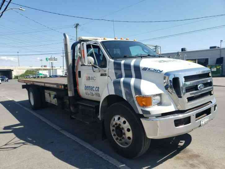 Ford F-750 flatbed tow truck (2011)