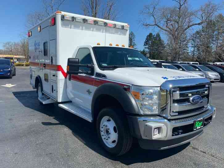 Ford F450 AMBULANCE THIS TRUCK IS LIKE NEW (2011)