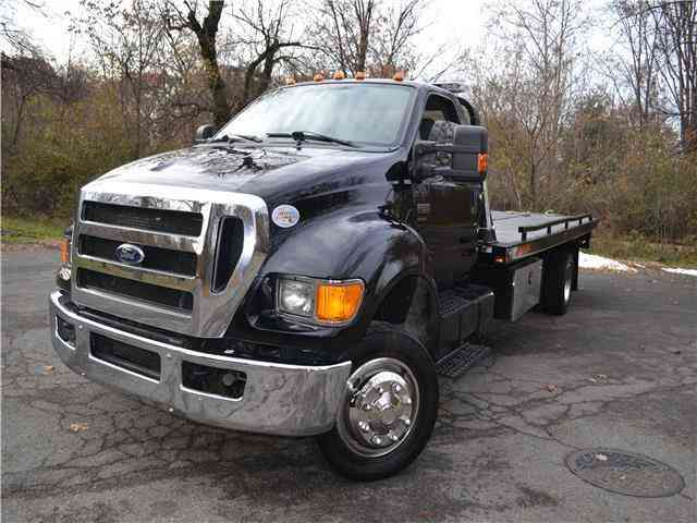 FORD F650 Rollback / tow truck -- (2011)