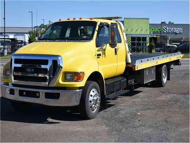 Ford Super Duty F-650 Straight Frame XLT (2011)