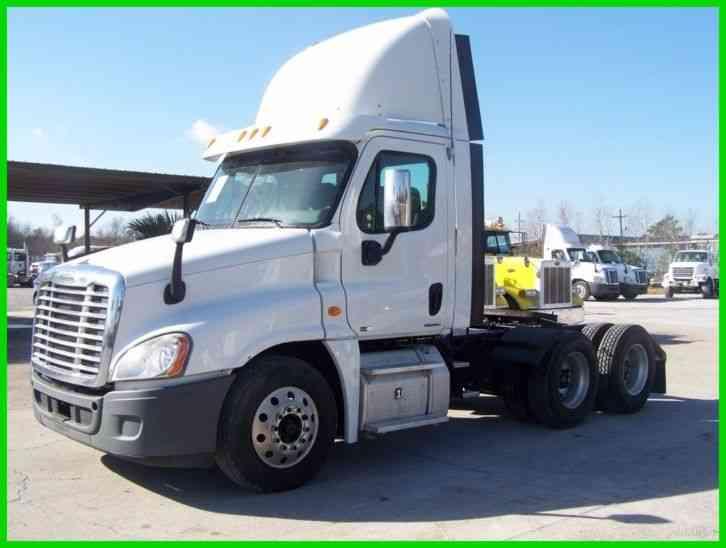 Roof Fairings For Semi Trucks : Freightliner cascadia ca daycab semi trucks