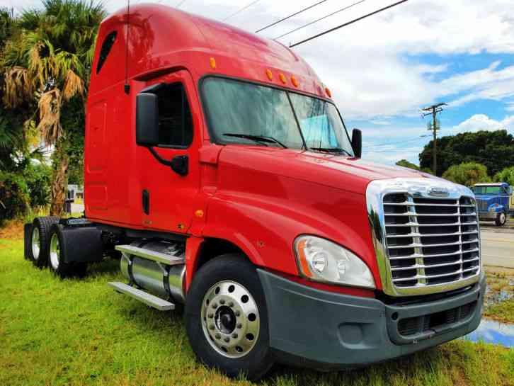 Freightliner Cascadia (2011) : Sleeper Semi Trucks