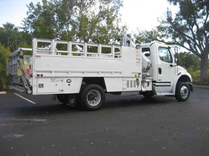 Freightliner M2 2011 Utility Service Trucks
