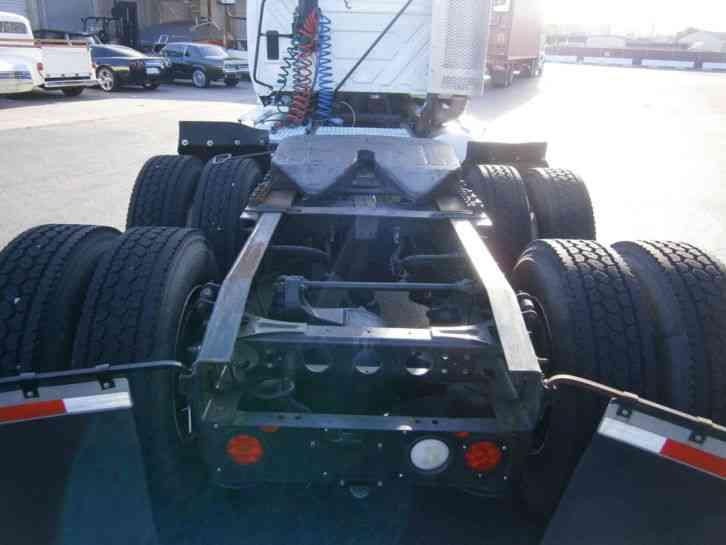 International ProStar Plus (2011) : Daycab Semi Trucks
