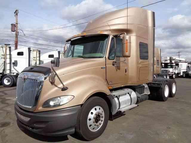 Semi Truck Transmissions : Peterbilt extended hood sleeper semi trucks