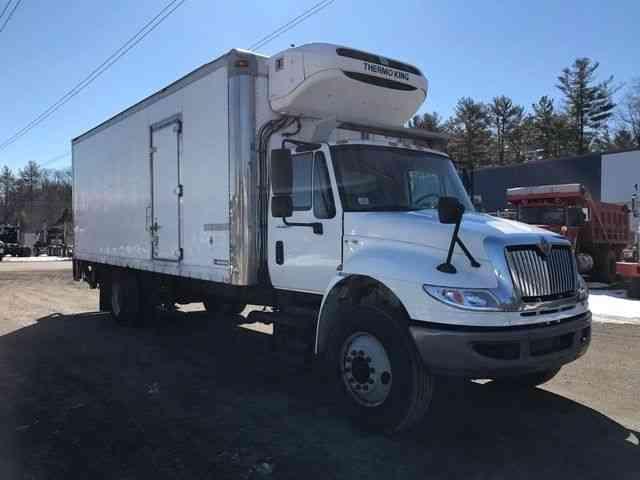 International 4300 2011 Van Box Trucks