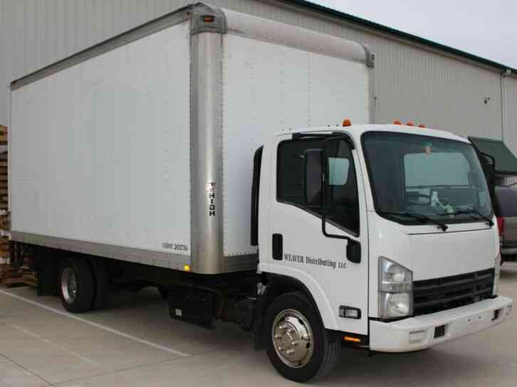 Isuzu NRR 18FT DRY BOX CARGO TRUCK. . 2500LB TUCK UNDER LIFTGA (2011)