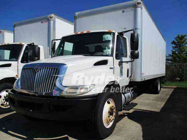 NAVISTAR INTERNATIONAL 4300 -- (2011)