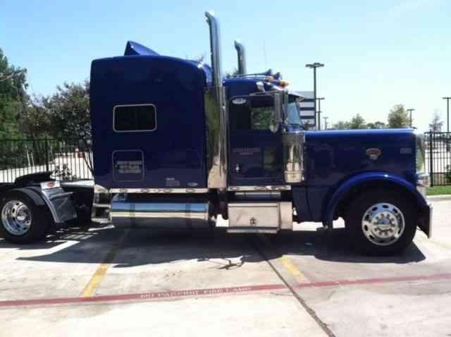 Peterbilt (2011) : Sleeper Semi Trucks
