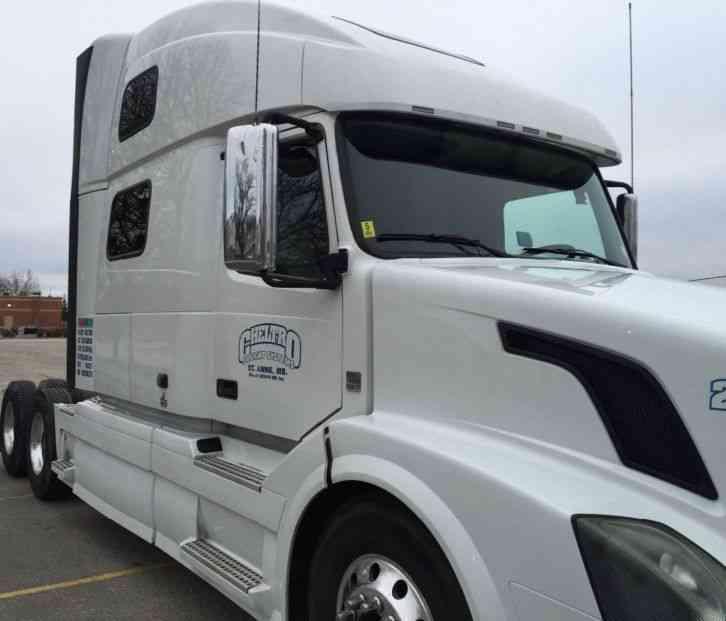 Volvo 780 Trucks For Sale: Volvo 780 Heavy Truck (2011) : Sleeper Semi Trucks