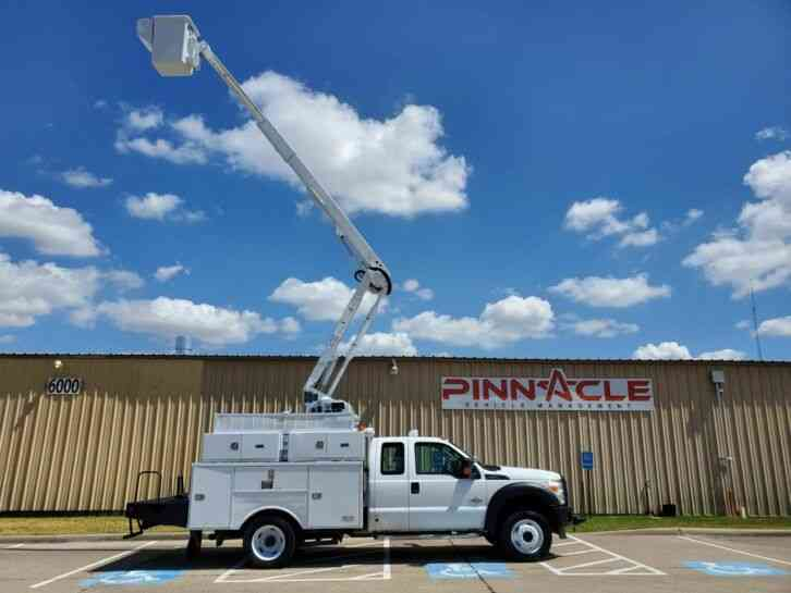 Ford F-550 4X4 ALTEC AT40G EXT CAB BUCKET TRUCK (2012)