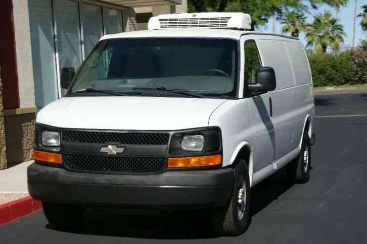 Chevrolet Express 3500 Extended (2012)