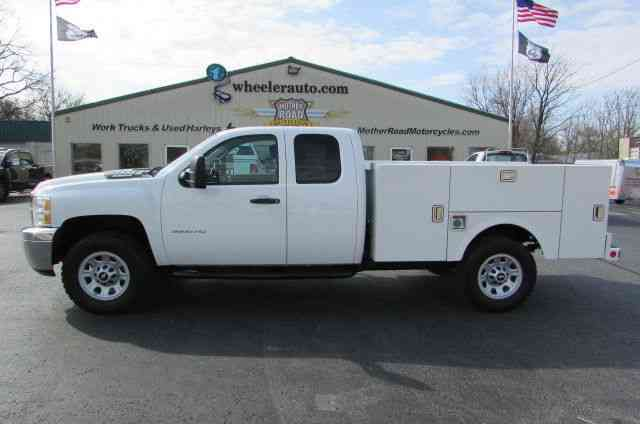 Chevrolet K3500HD Extended Cab 4x4 NEW Utility bed (2012)