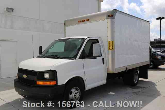 Chevrolet Express 3500 CARGO BOX VAN TOMMY GATE (2012)