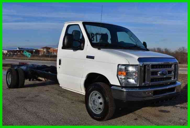 Budget Moving Trucks >> Ford E-450 Super Duty Cutaway Cab and Chassis (2012) : Van ...
