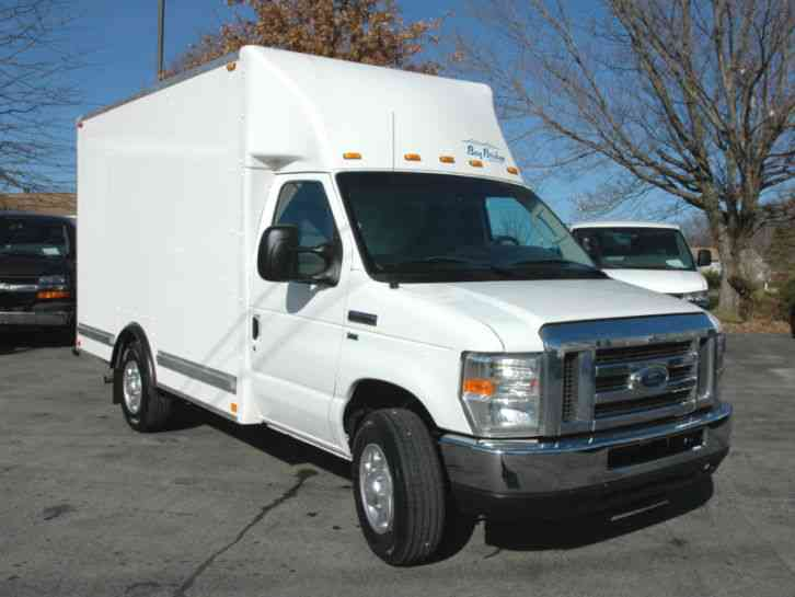 Ford 12 Ft Cutaway Box Tk 2012 Van Box Trucks