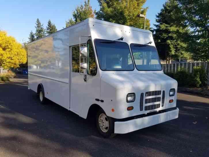Ford Econoline 2012 Van Box Trucks